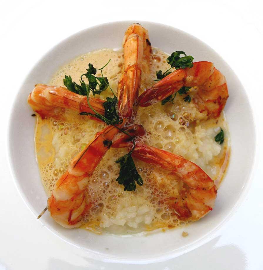 Restaurant LE W : Gambas à la plancha sur un risotto au pecorino