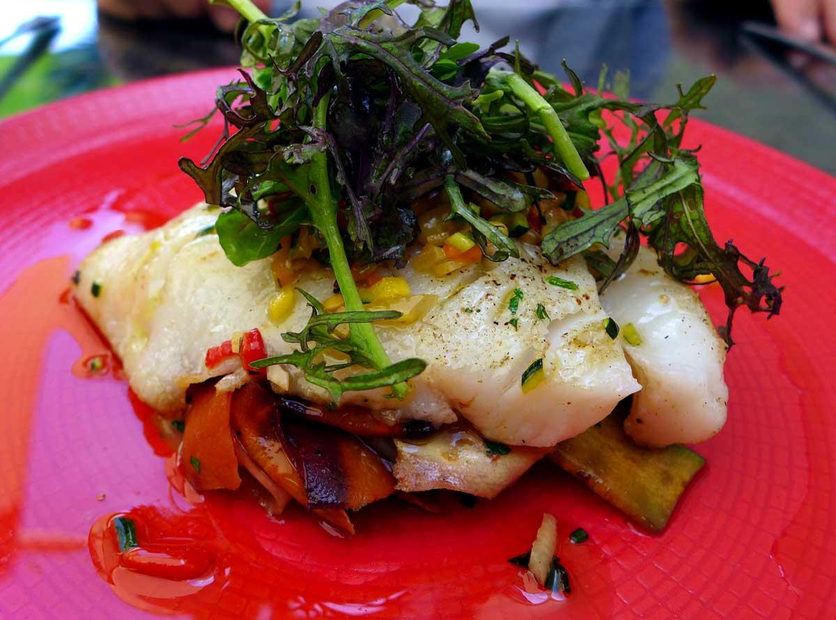 Restaurant LE W : Filet de flétan et tagliatelles de légumes