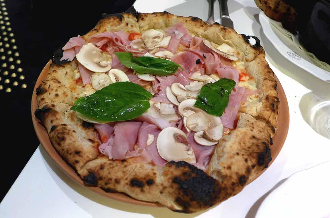 Restaurant Giusé, pizza Parigina