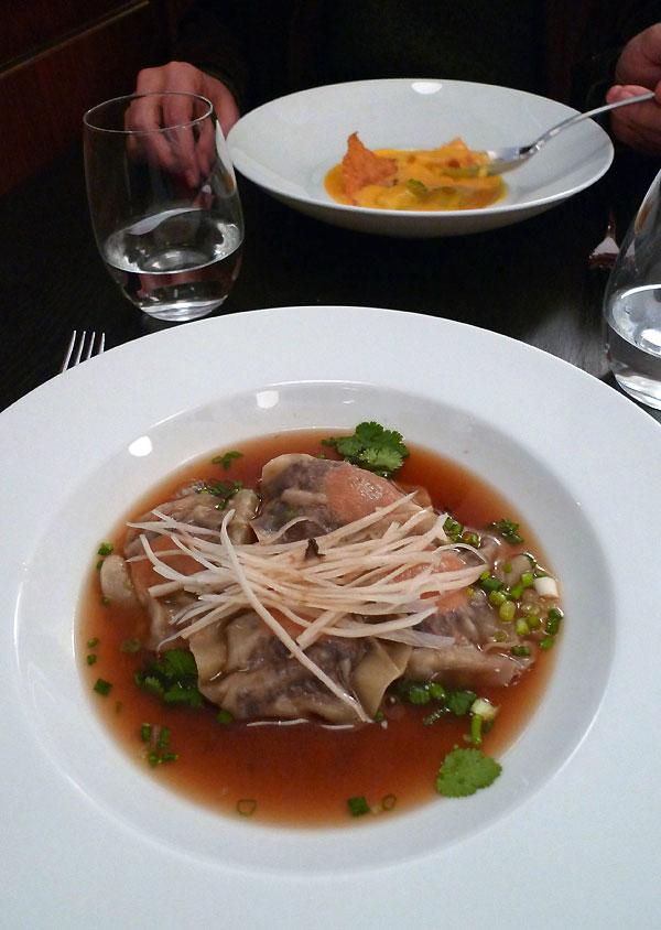 Restaurant L'Affable, Les ravioles de queue de boeuf dans un bouillon thaï