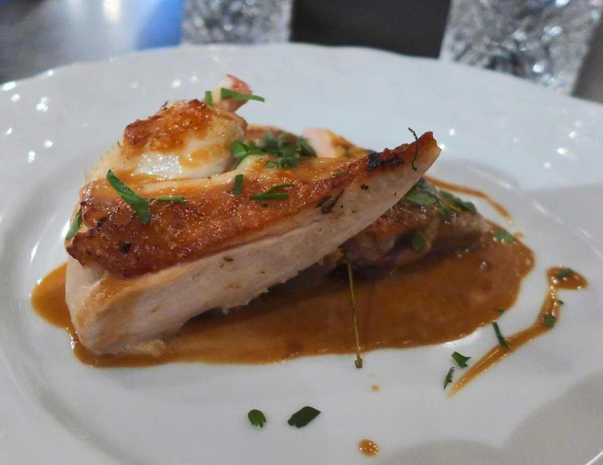 Restaurant L'Ancienne Maison Gradelle : Poulette de Racan