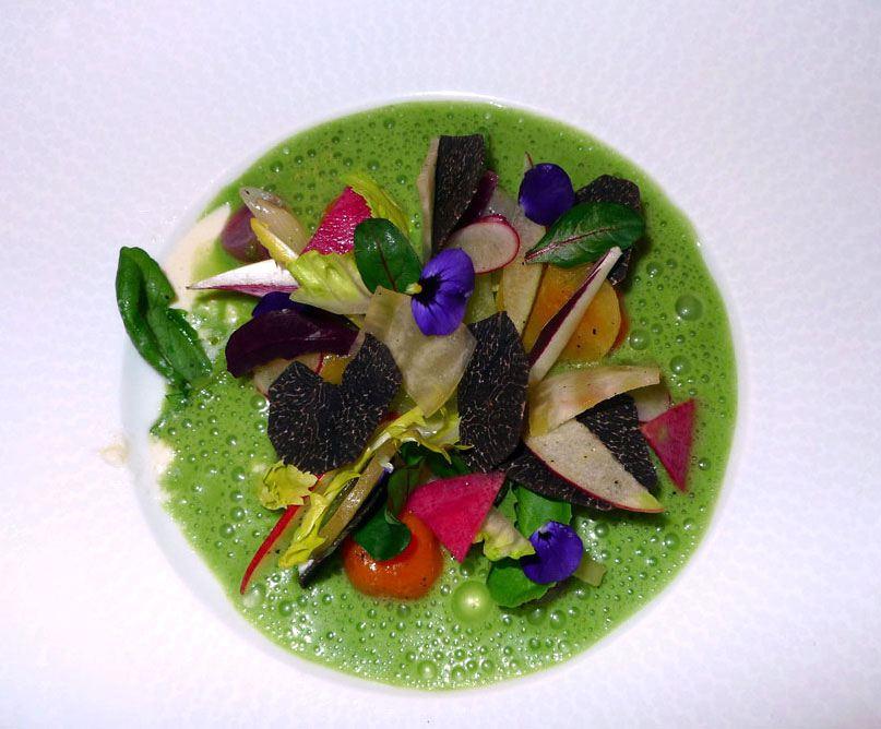 Restaurant Lasserre, Caviar et laitue en délicate Royale