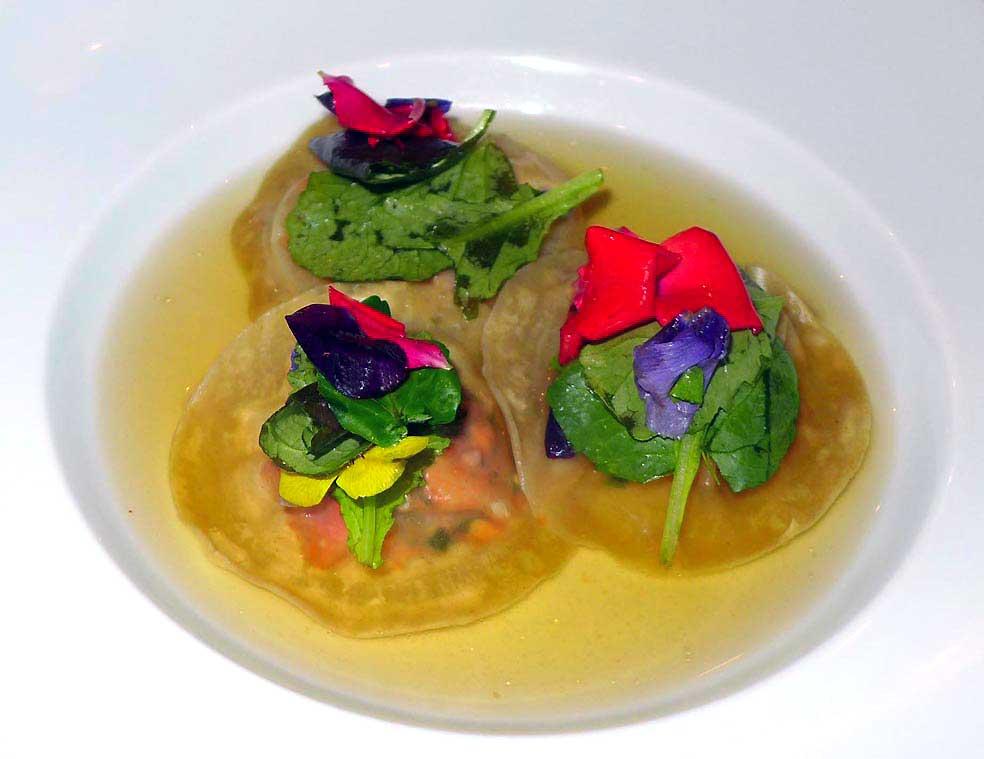 Restaurant Atelier des Artistes, raviole de homard