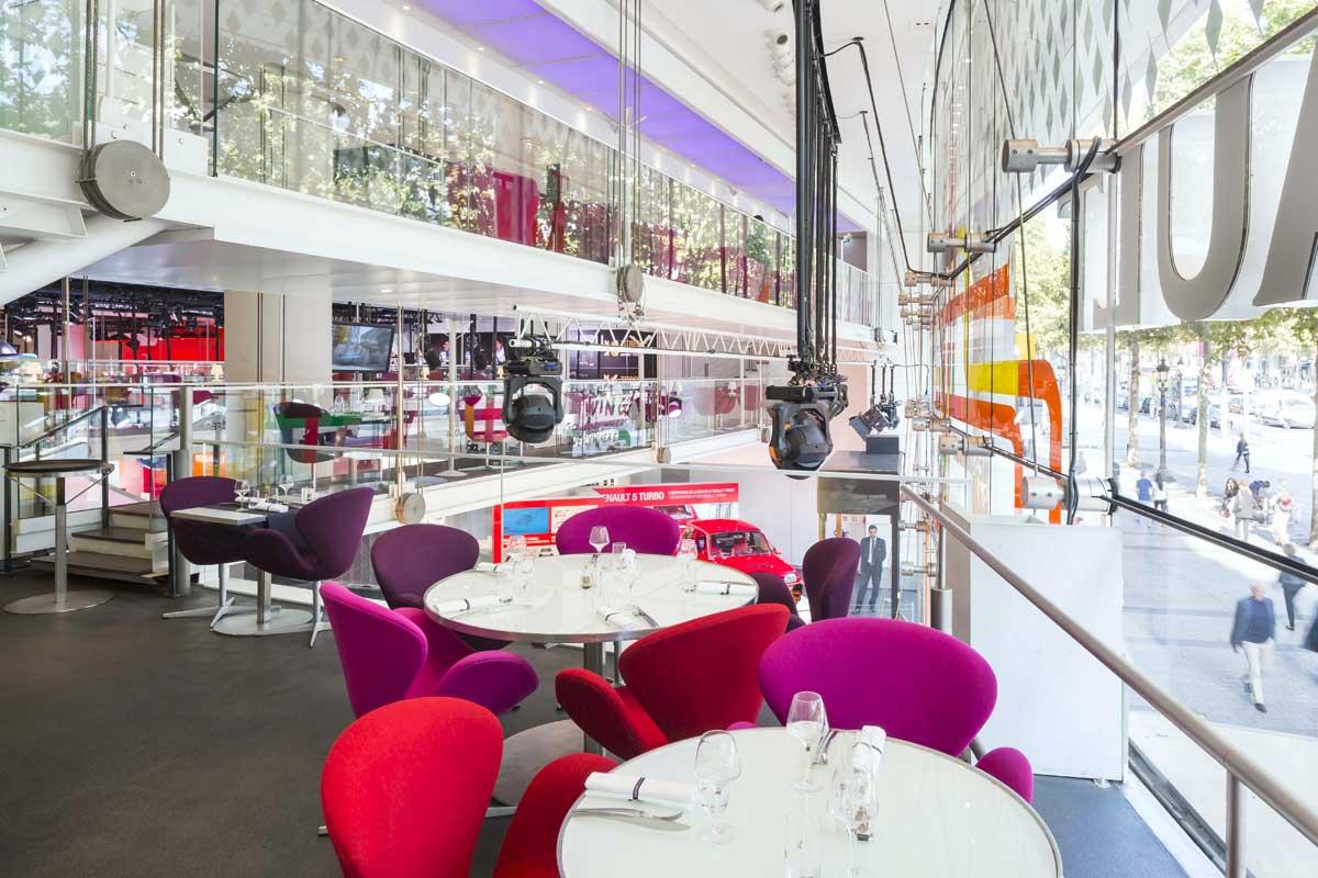 Taelier Renault Café, un cadre moderniste
