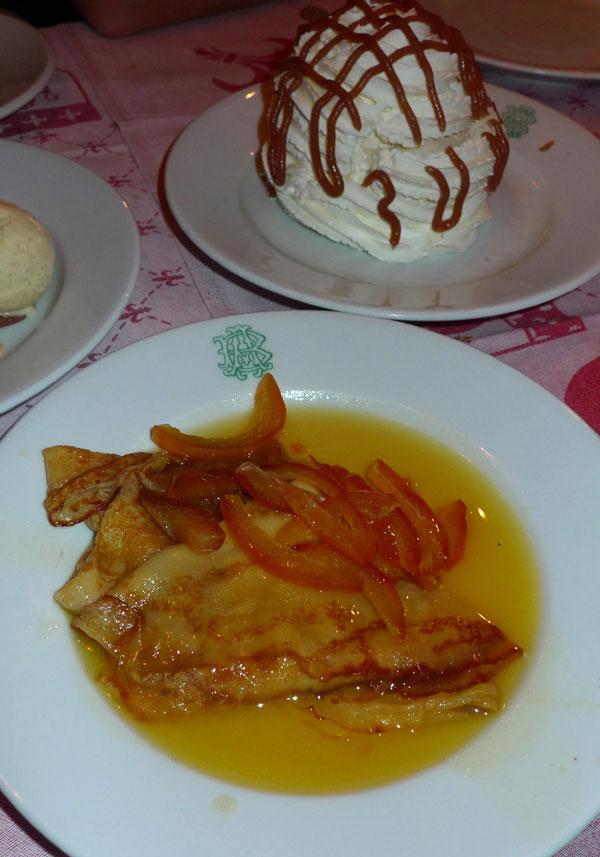 Auberge Bressane, crêpes Suzette flambées
