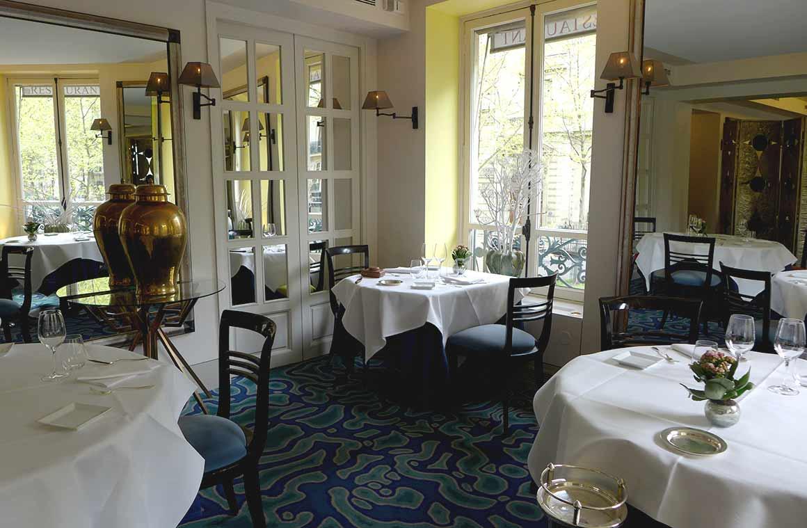 Salle du restaurant Maison Petrossian
