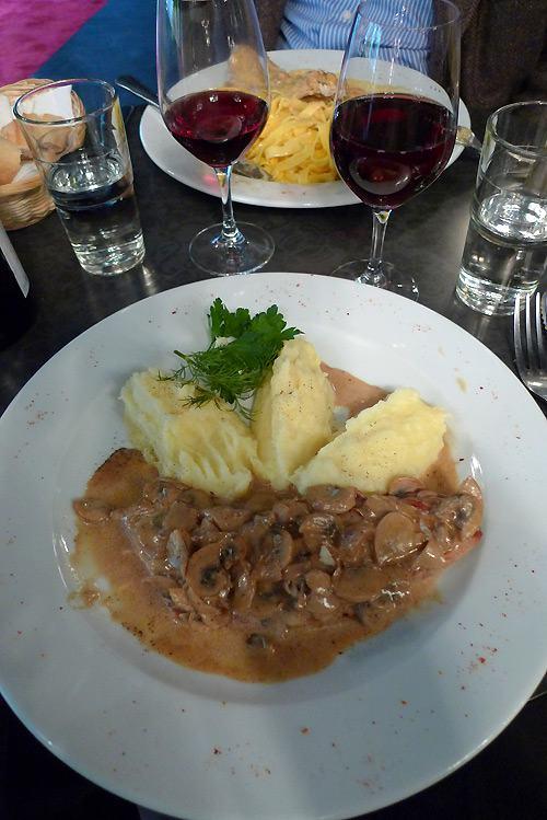 Restaurant Le 23 Clauzel, escalope de veau façon