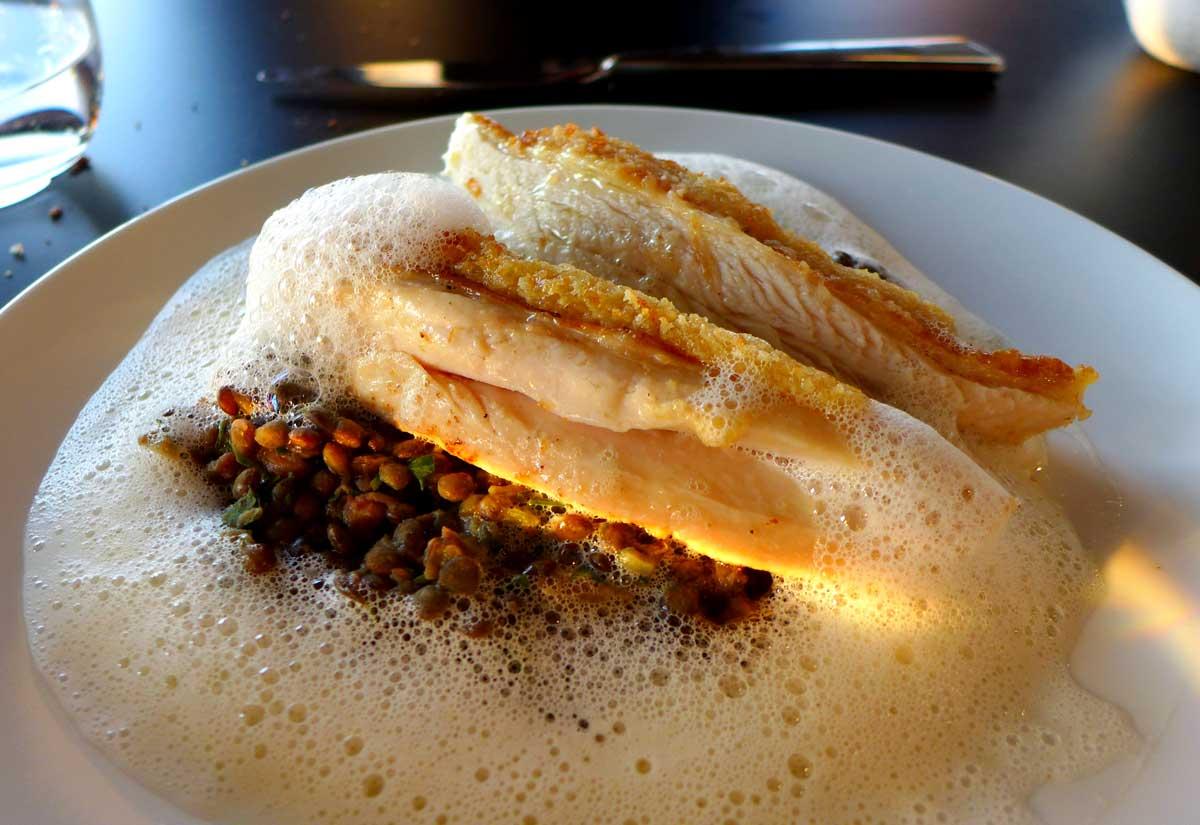 Restaurant LE BALCON, Suprême de volaille et fricassée de lentilles