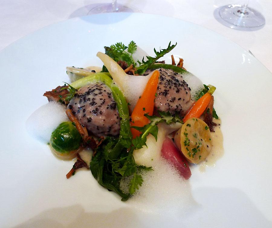 Restaurant Le Cinq : Blanquette de veau mitonnée avec légumes racines
