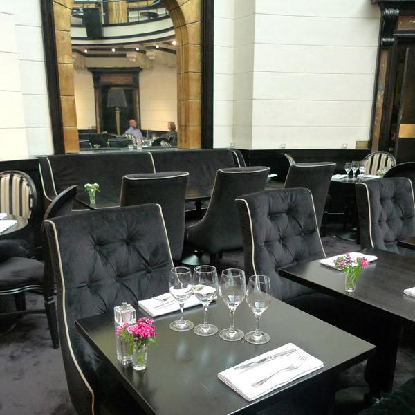 Restaurant Le Dome du Marais, confort du mobilier