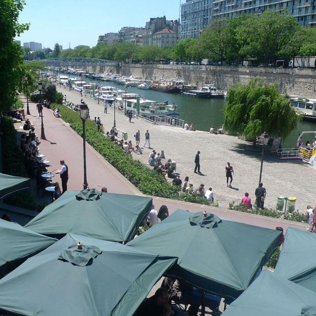 Restaurant Le Grand Bleu, la terrasse du restaurant