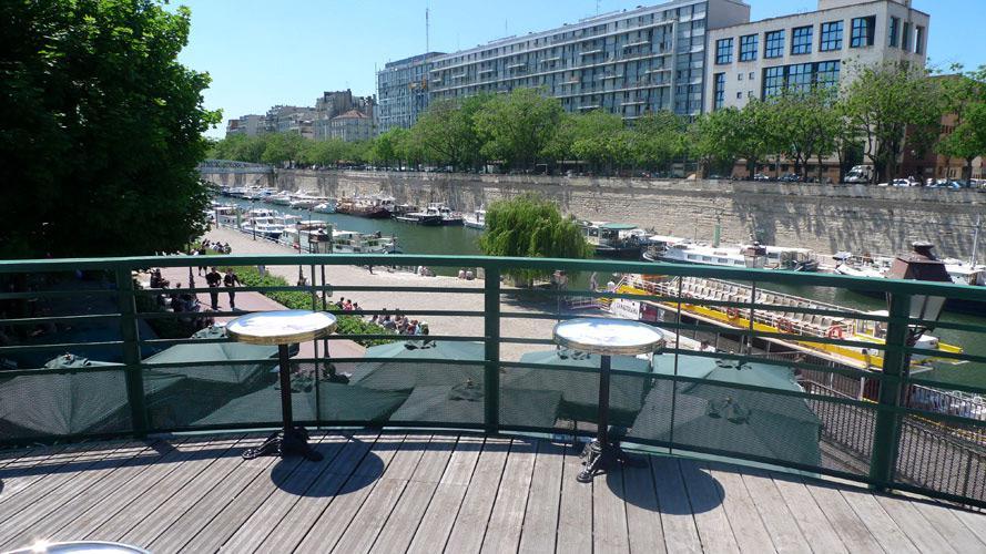 Restaurant Le Grand Bleu, Vue sur le port