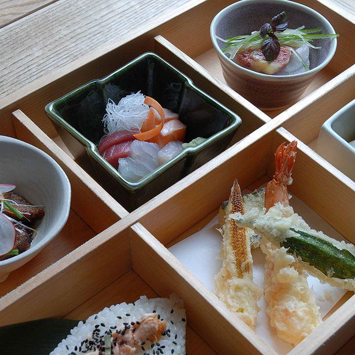 Restaurant Le Kai, un plateau à compartiments