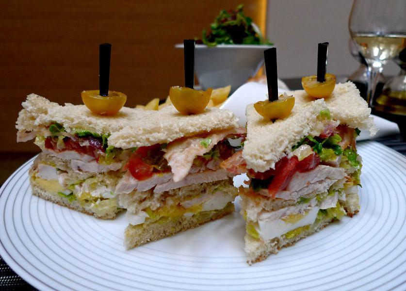 Restaurant Le Marignan, sandwich Club poulet bacon
