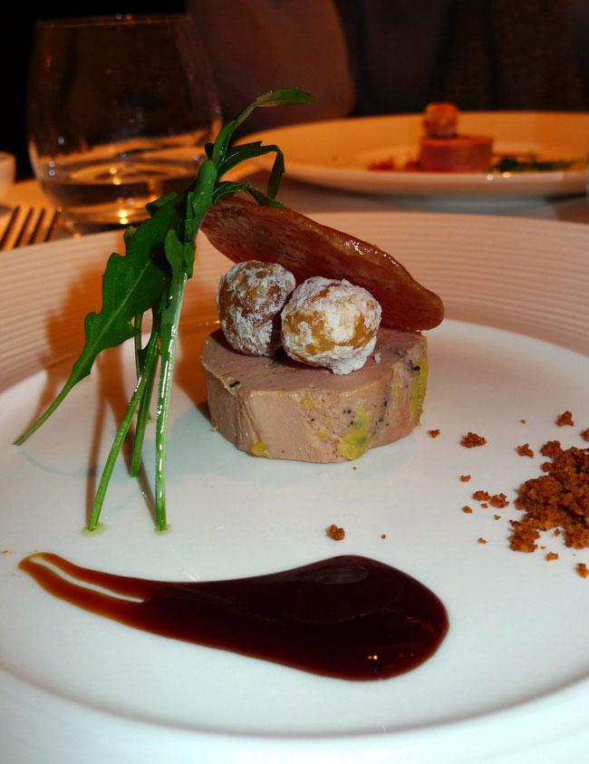 Restaurant Le Metropolitan, Le foie gras des Landes mi-cuit et macadamia sablées et ristretto