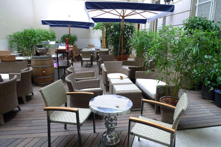 Restaurant Le Patio, cour en plein air du Patio