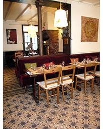 Restaurant Le Perroquet Vert, les tables