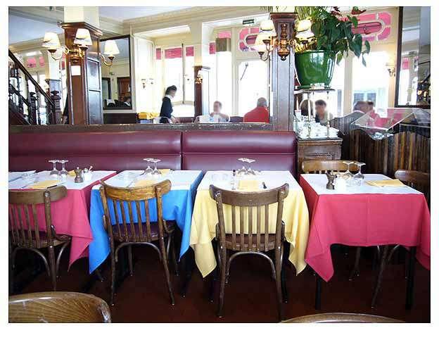 Restaurant Le Relais de Venise : Les tables colorées