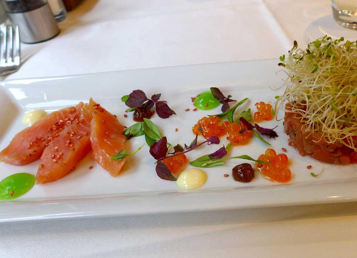 Restaurant LE RELAIS DU PARC : Cœur de filet de saumon fumé en tartare
