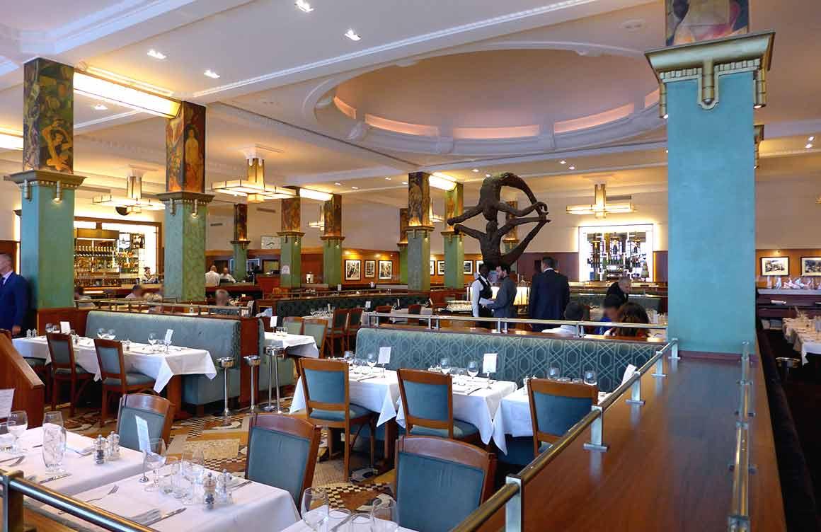 Restaurant La Coupole, La salle