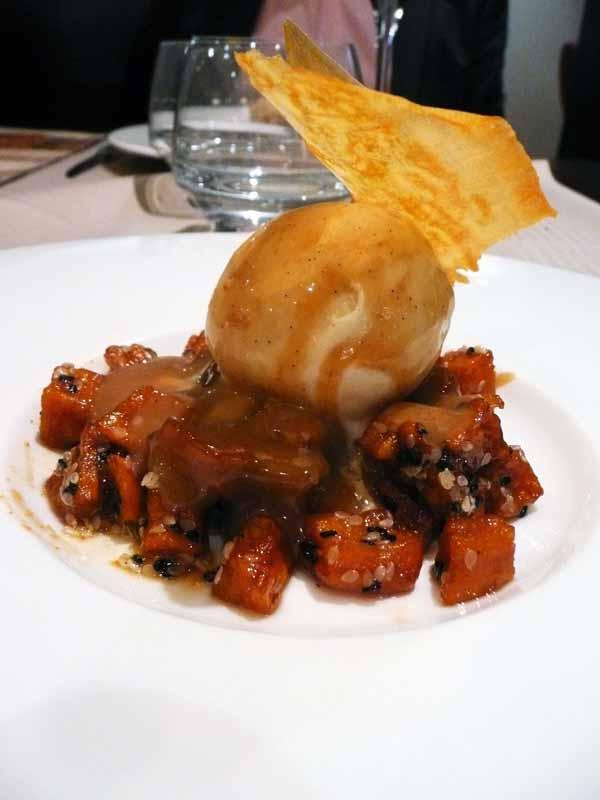 Restaurant du Marriott, cascadine de patate douce sur un sablé breton