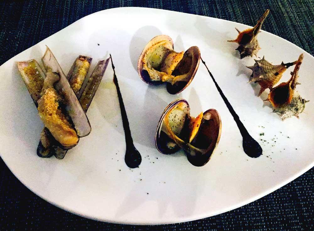 Restaurant LE SAINT GEORGES: Couteaux sauce citron, palourdes à la plancha