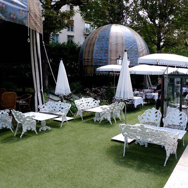 Restaurant Saint James, Le jardin et ses montgolfières