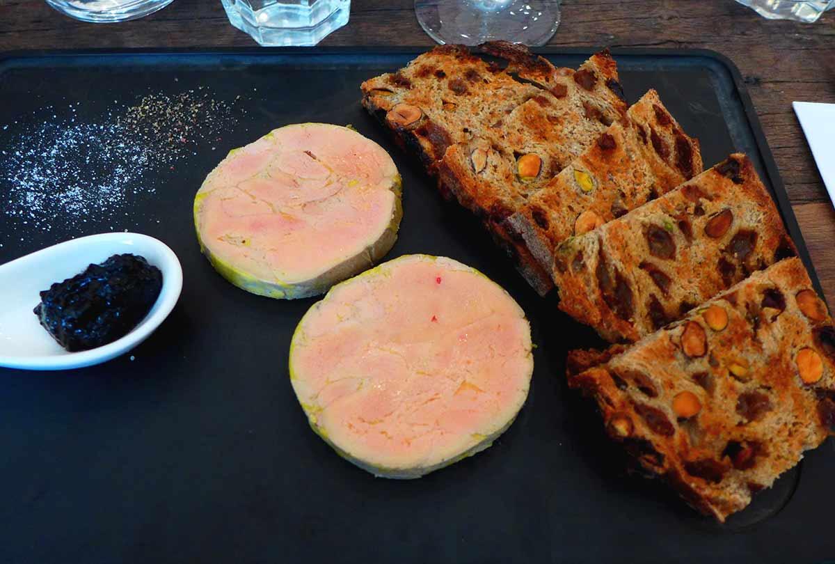 Restaurant Le Spicy Home Paris, foie gras confiture d'ail noir