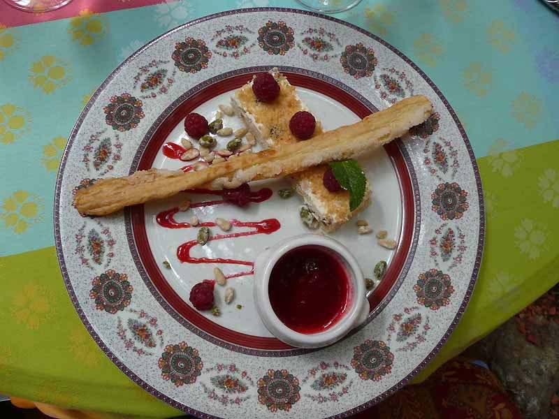Restaurant Le Sud, Le nougat glacé au miel et coulis de fruit