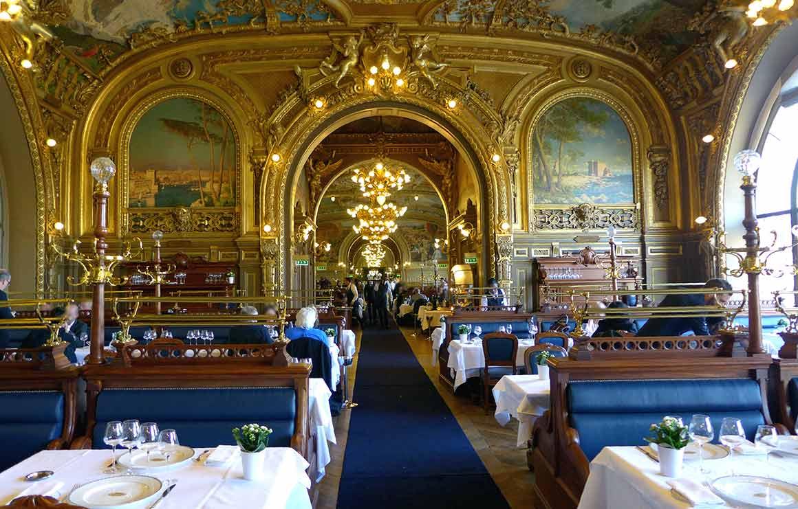 Restaurant LE TRAIN BLEU, La salle