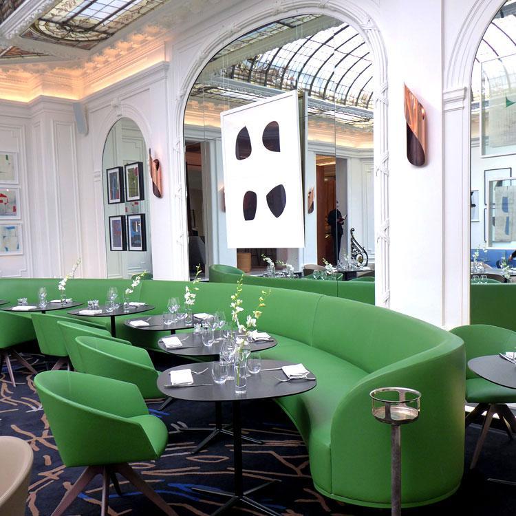 Restaurant LE V, La salle