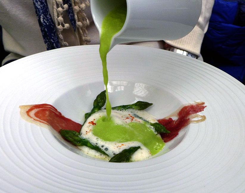 Restaurant LE V, Asperge verte avec œuf