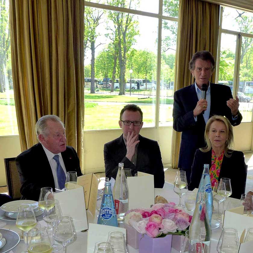 Gérard Pélisson à table et Jack Lang