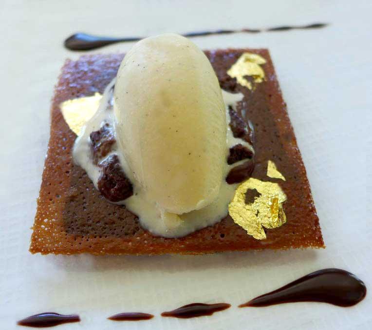 Institut Paul Bocuse : Palet de crème tendre au chocolat noir