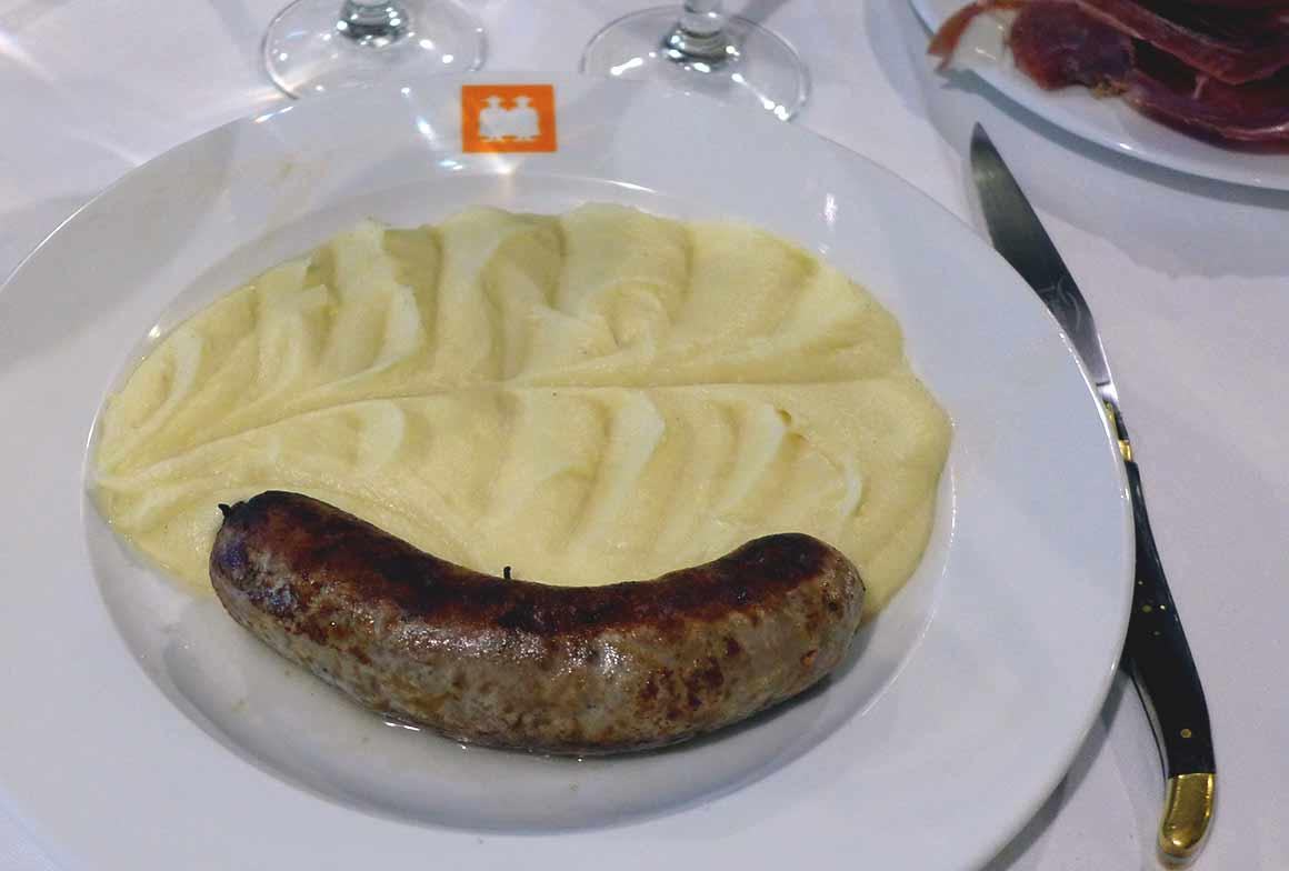 Restaurant l'Ambassade d'Auvergne, la saucisse aligot