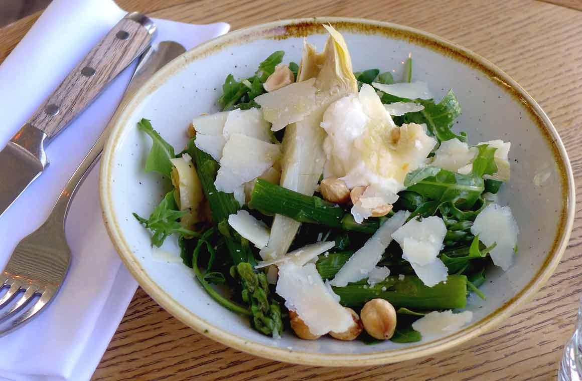 Restaurant POLPO : Les asperges vertes et artichauts