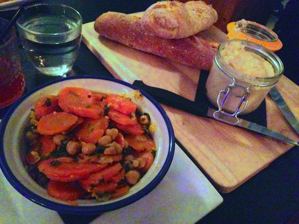 Restaurant Les Petites Gouttes : Petite salade Berbère aux carottes