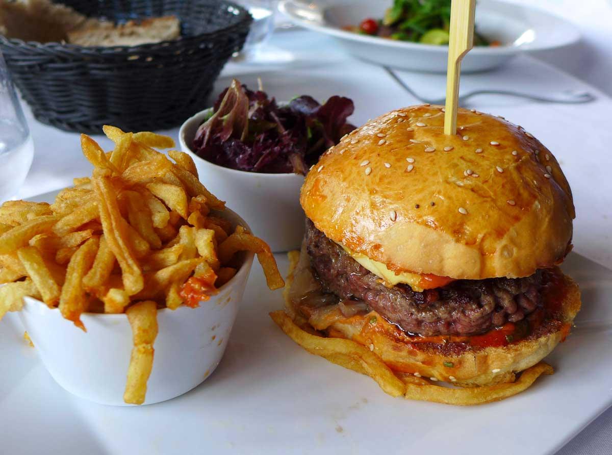 Restaurant L'ILE, burger au Comté
