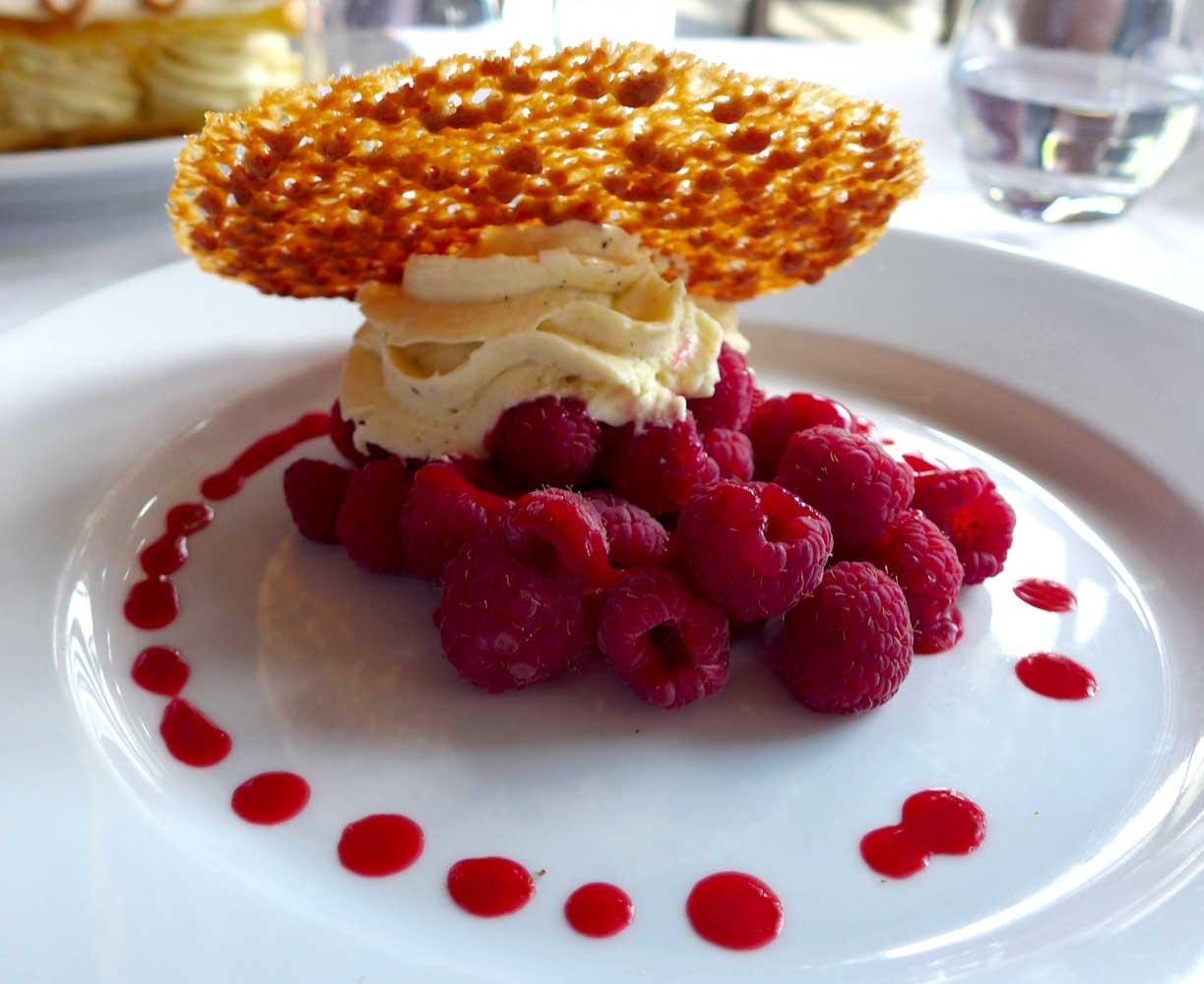 Restaurant L'ILE, croustillant de framboises