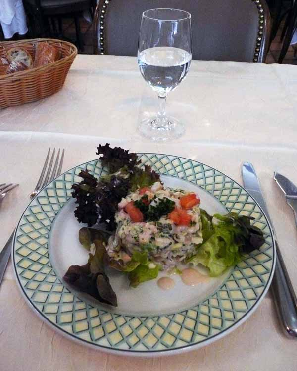 Restaurant Lily de Neuilly : Salade de crevettes aux herbes