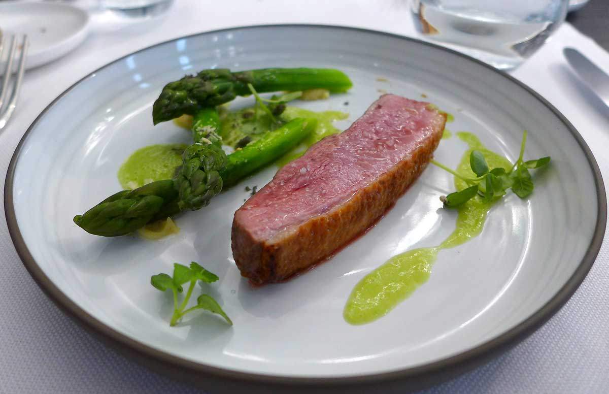 Restaurant Louis : Canette rôtie asperges vertes