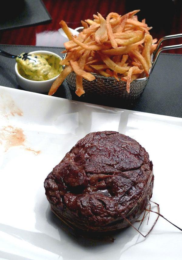 Restaurant Ma Chère & Tendre, L'entrecôte Black Angus d'Argentine sauce béarnaise et frites