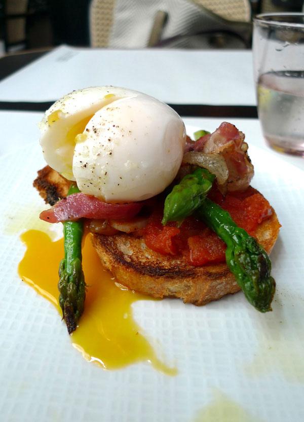 Restaurant Manger, toast campagnard asperges