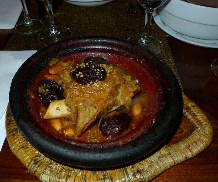 Restaurant Mansouria, tajine d'agneau aux pruneaux et amandes