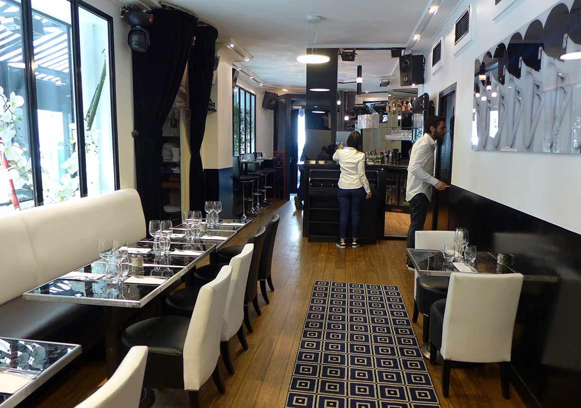 Restaurant Miam, La salle