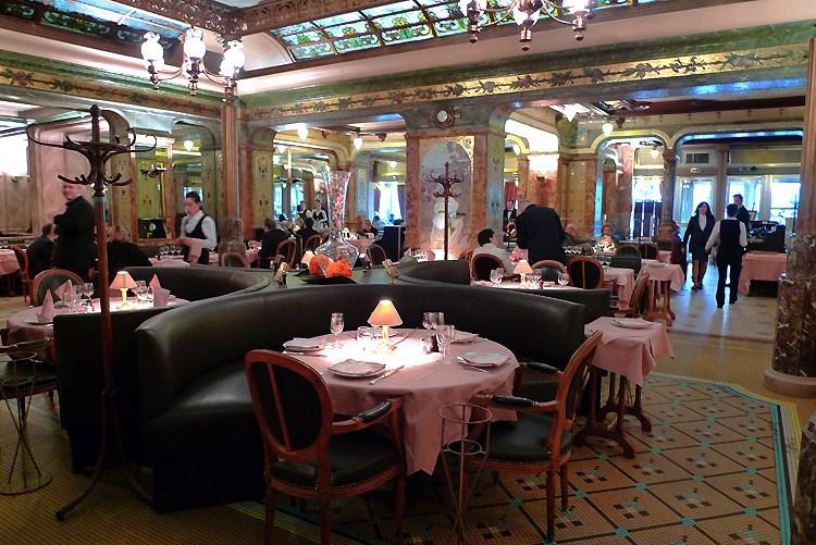 Brasserie Mollard, La salle