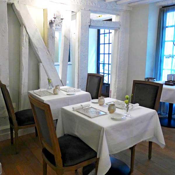 La salle du restaurant Nakatani