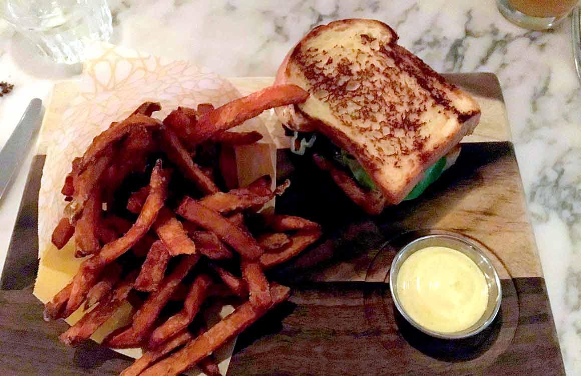 Restaurant Neni : Sandwich au bœuf braisé