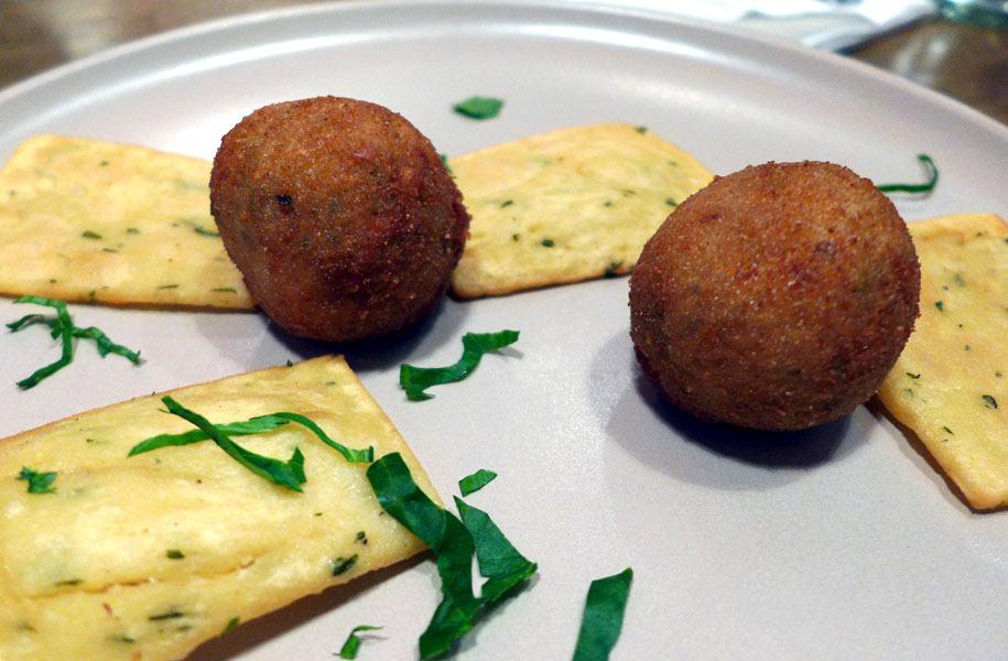 Restaurant NON SOLO PIZZE, Boulettes de veau gratinées au four