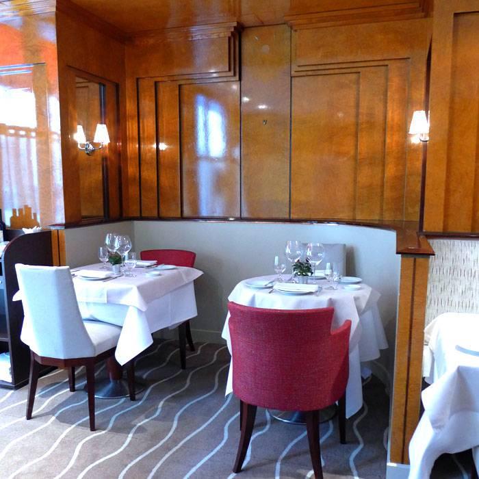 Tables élégantes et confortables